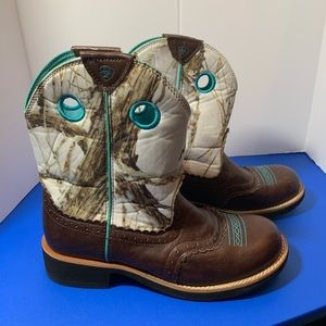 Ariat Shoes - Ariat Fat Baby White Snow Baby Camo Boots